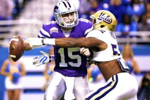 Kansas State QB Jake Waters passed for 338 yards and 2 TDs in the Wildcats' Alamo Bowl loss to UCLA.  (Bleacher Report)
